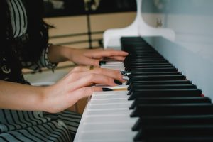 Piano movers Pittsburgh reduce the stress and anxiety about moving your piano.