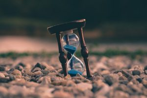 An hourglass to help you look for moving and storage companies on time.