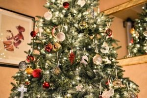 Decorate your home for Christmas with Christmas tree