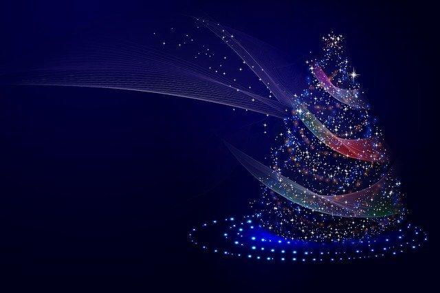 storing Christmas decorations -Christmas tree